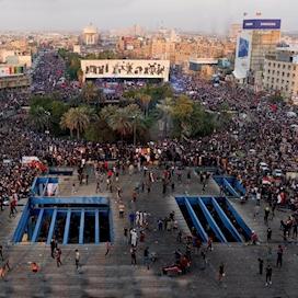 مظاهرات بغداد في ساحة التحرير - المطعم التركي جبل أحد