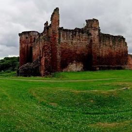 Bothwell Castle 1